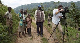 På optagelse i kasese på grænsen mellem uganda og congo, december